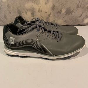 AWESOME MENS FOOTJOY GOLF SHOES SIZE 9.5